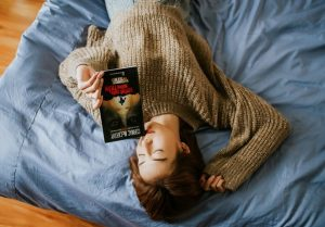 Gift Yourself an Hour before Sleep as best ways to fall asleep