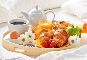 Breakfast in bed with Mother's Day breakfast recipes