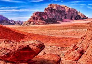 Out-of-this-world aura of this desert will make you feel like you are on another planet.