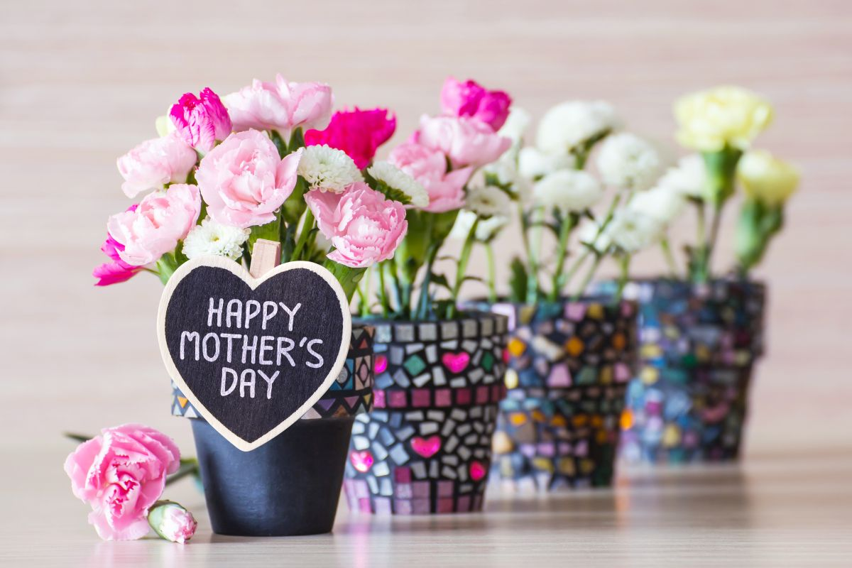 10 Mother's Day Gift and Celebration Ideas during Lockdown