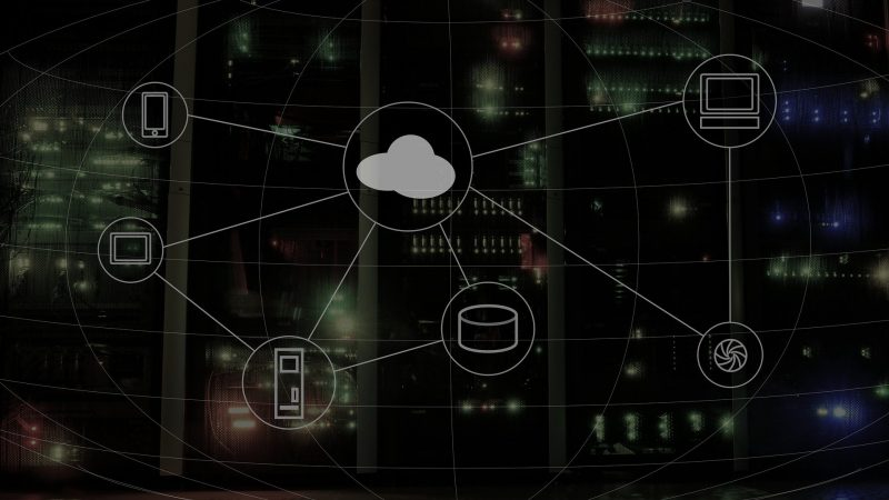 Cloud Computing: An Introduction with Daily Life Examples