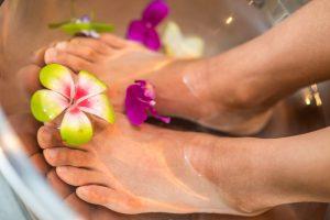 DIY spa foot mask care