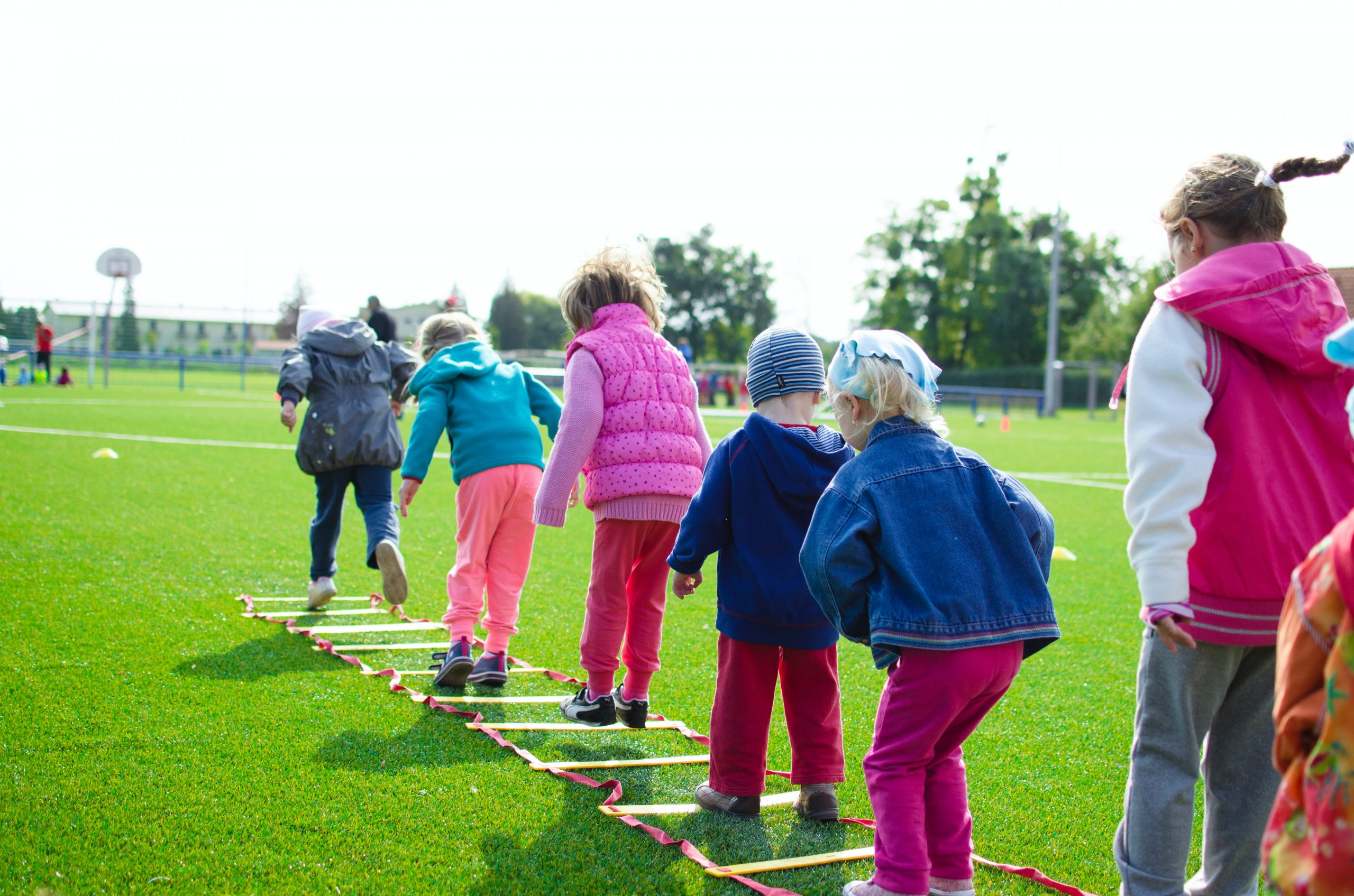 how to keep the kids busy on a long summer day